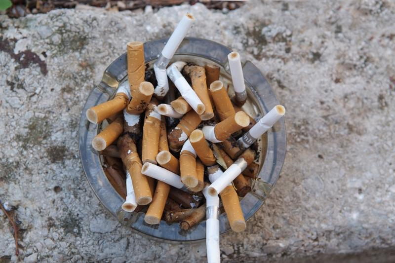 Cigare, puna pepeljara