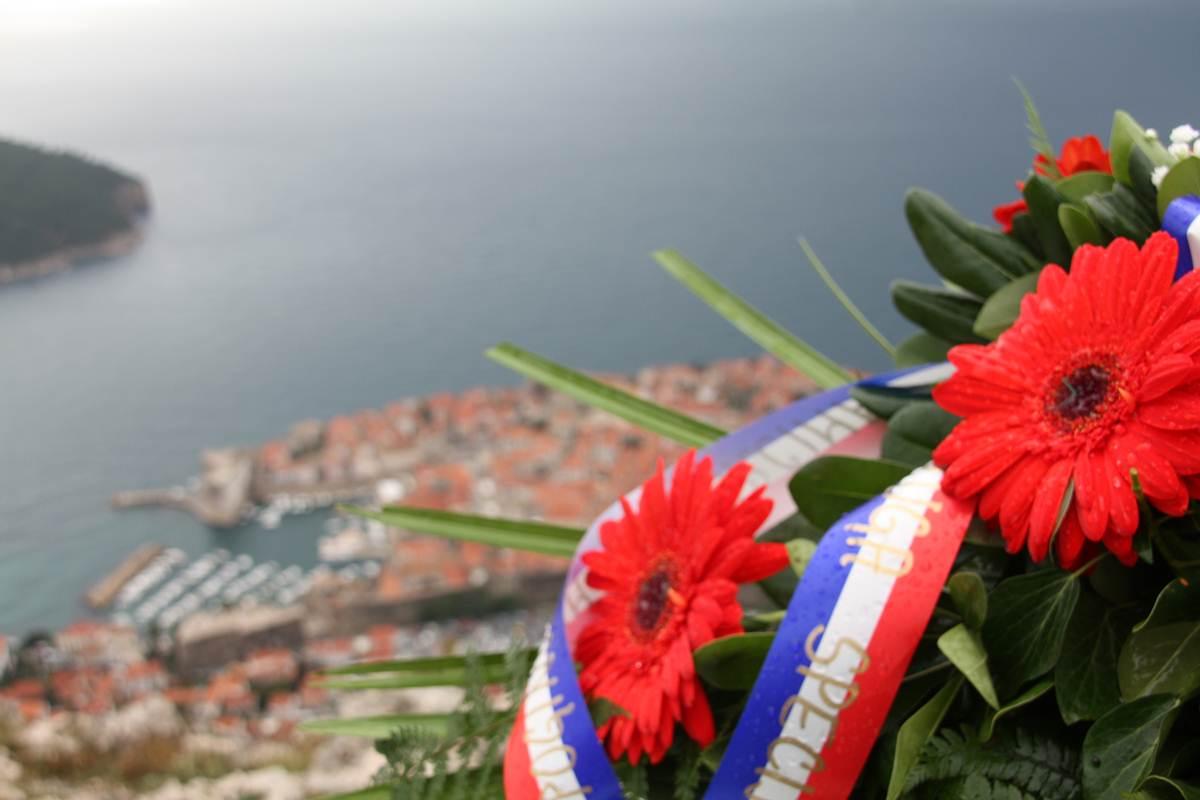 Dan dubrovačkih branitelja 2014. godine, Polaganje vijenaca na Srđu