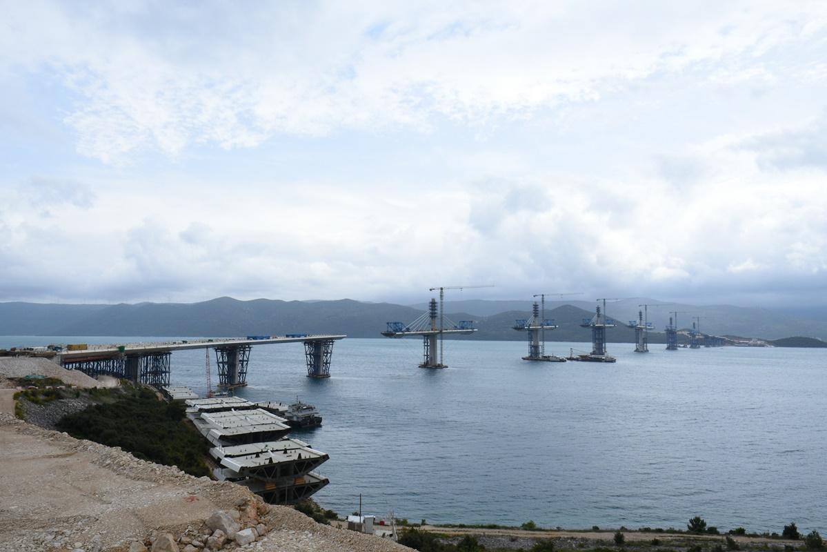 RANIJE OD PLANIRANOG Za mjesec dana Hrvatska se spaja Pelješkim mostom!